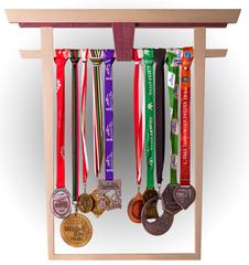 Tori - wieszak na medale