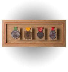 Wieszak na cztery medale, dębowy